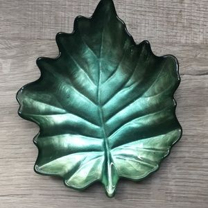 Gorgeous glass leaf bowl